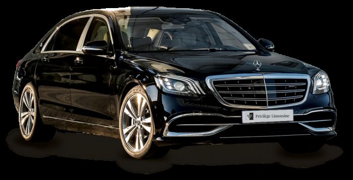 4Matic, 3 places Vous êtes amateur de voyages raffinés ? Prenez place en première classe, à bord de la Mercedes Classe CLS, un coupé 4 portes qui répond aux exigences les plus élevées en termes de confort et de design. Pour vos déplacements ponctuels à Courchevel ou vos transferts depuis les aéroports et gares, cette berline s'adapte.